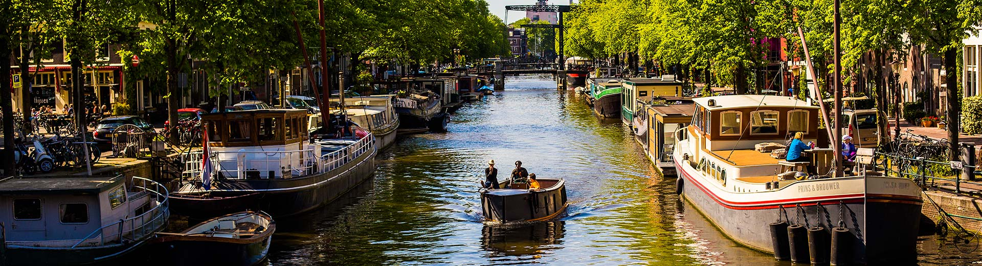 Houseboats in amsterdam for Houseboat amsterdam